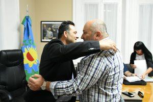 Acuerdo salarial entre el Gobierno de Aiola y los gremios municipales.