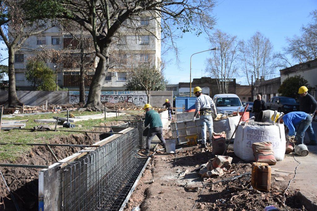Avanza la remodelación de la plaza Necochea