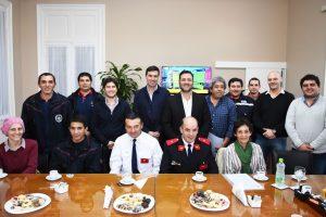 Aiola con Bomberos Voluntarios del Partido de Chacabuco.