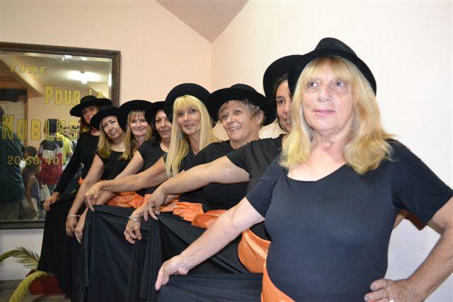 Taller de Folklore de la Escuela de Actividades Culturales a cargo del profesor Ariel Giménez.