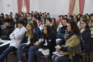 Alumnos de Rawson en el acto de apertura del Parlamento Juvenil del Mercosur 2017