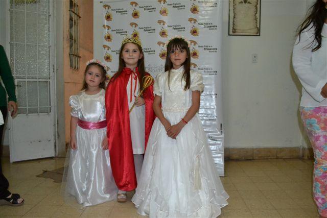 Antonella Unanue, Emma Fagan y Pierina Barón antes de subir al escenario.