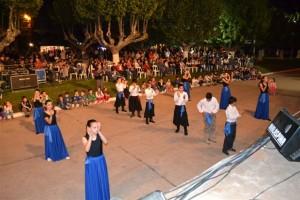 Baile a cargo de los alumnos de los Talleres de Danza de la Escuela de Actividades Culturales de Rawson.