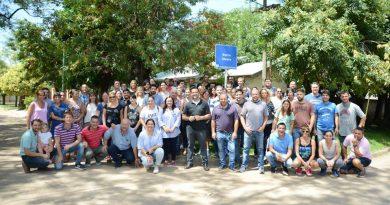 Aiola, junto a sus funcionarios, recorrieron barrio Parque Chacabuco, Obrero, Arquitectura y Liga Amas de Casa.