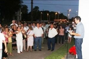 Impusieron el nombre de Raúl Alfonsín al tradicional acceso a Chivilcoy.