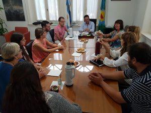 Aiola se reunió en su despacho con docentes
