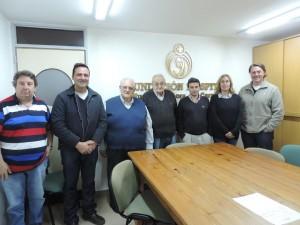Aiola con integrantes de la Fundación del Hospital.