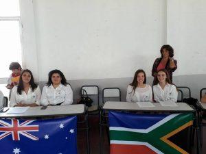 Las alumnas junto a la docente Andrea Reynes en Trenque Lauquen.