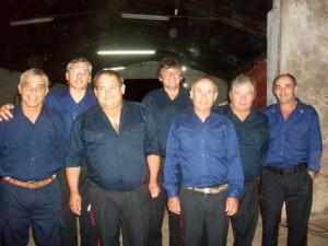 Lorenzo, Papini, Martínez, Ostolaza, Capeli, Zanlonghi y Stella; personal próximo a jubilarse. Faltan en la imagen Giribuella y Quevedo.