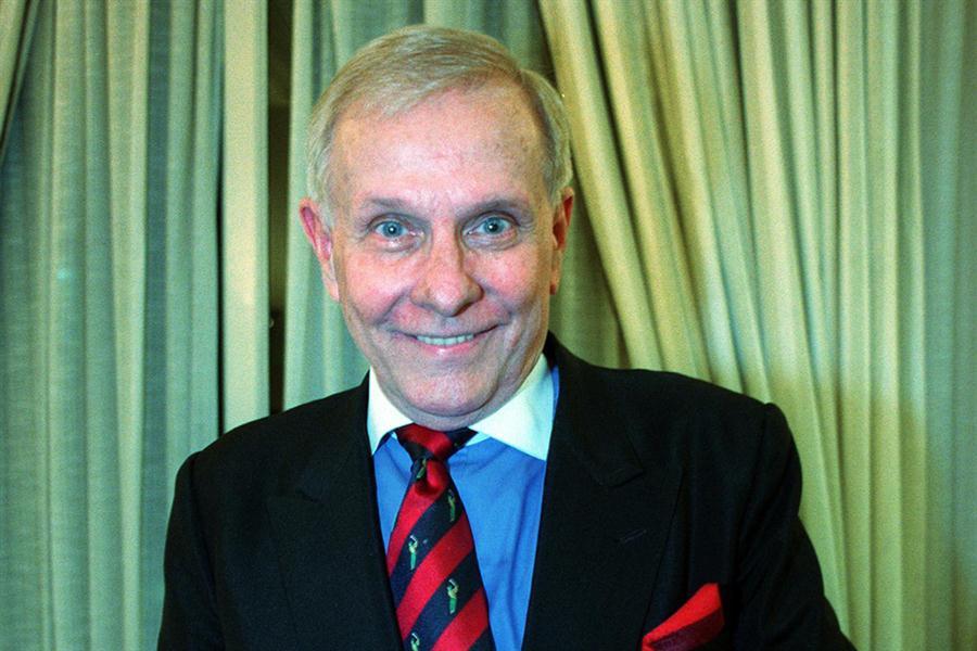 """16.7.11- Fue actor, diseñador de moda y animador televisivo. Garmaz había nació en 1928 en Croacia e hizo famoso el ciclo televisivo """"El Mundo de Ante Garmaz"""", en el que se ocupaba de la moda. Murió hoy en el hospital Fernández de la Capital Federal."""