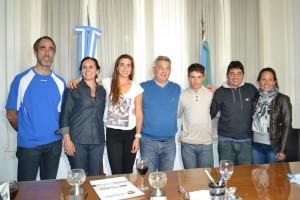 Barrientos entregó reconocimiento a Ignacio Semeñuk y a Guillermina Naya.