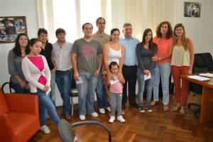 Barrientos entregó Becas Premio al Esfuerzo.
