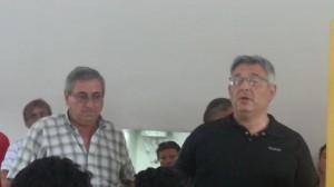 Barrientos con los trabajadores del Corralón.