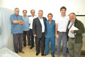 Barrientos durante su recorrida en el Hospital de Chacabuco.