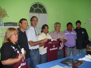 Barrientos firmó convenio con el Club Lanús.