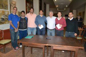 Barrientos entregó subsidios al Club Social