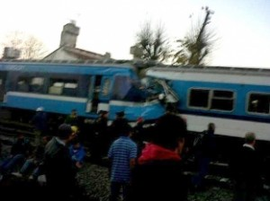 Chocan dos trenes en Castelar.