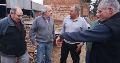 Ciminelli visitó a ladrilleros de Chacabuco.