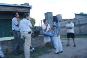 Concejales de la Unión Cívica Radical con vecinos de la calle 14 de Julio.