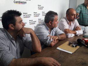 Herrera, Di Pinto y Cámera en conferencia de prensa sobre la combi.