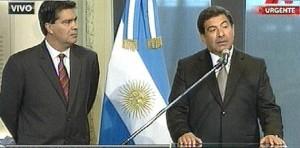 Conferencia de prensa de Capitanich y Echegaray. Imagen de TV.