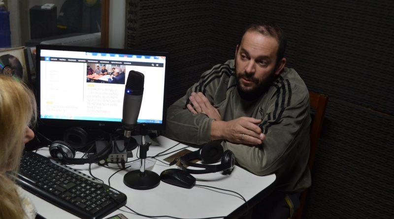 Damián Granados en la Radio de Rawson