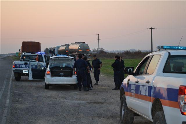 """25.4.14- Siendo las 18.15 horas, personal de la Policía Comunal de Chivilcoy, procedió a la detención de dos paciente que habían escapado de la Colonia Nacional Psiquiátrica """"Domingo Cabred"""" de Open Door, en el Partido de Luján. Ambas personas se movilizaban por Ruta Provincial 30, en sentido Ruta Nacional 5 y hacia Chacabuco, a bordo en un Chevrolet Spirit de color blanca y el cual sería robado y fueron reducidos por la Policía en el cruce de Rutas Provinciales 51 y 30, para luego ser restituidos a la colonia dónde estaban alojados. Ampliaremos."""