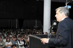 El ministro participó del Quinto Plenario Nacional de Agricultura Familiar.
