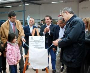Domínguez y Urtubey en la inauguración de una planta empaquetadora de hortalizas en la localidad salteña de General Pizarro.