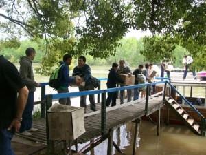 Los misioneros del Centro Cristiano Familiar de Chacabuco con las donaciones