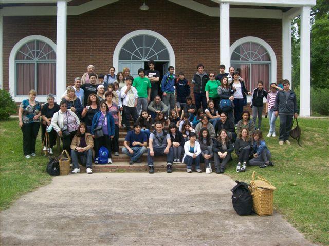 Los misioneros del Centro Cristiano Familiar de Chacabuco en las Islas del Delta Paraná Mini.