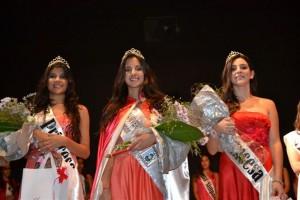 De izquierda a derecha: 1º Princesa Mariana Pérez, Reina Tania Lemme y 2º Princesa Milagros Palomeque.