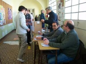 En Rawson se vota en la Escuela Nº 11.