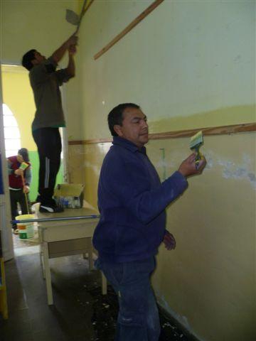 Otra imagen de la pintada a la Escuela 11 de Rawson.