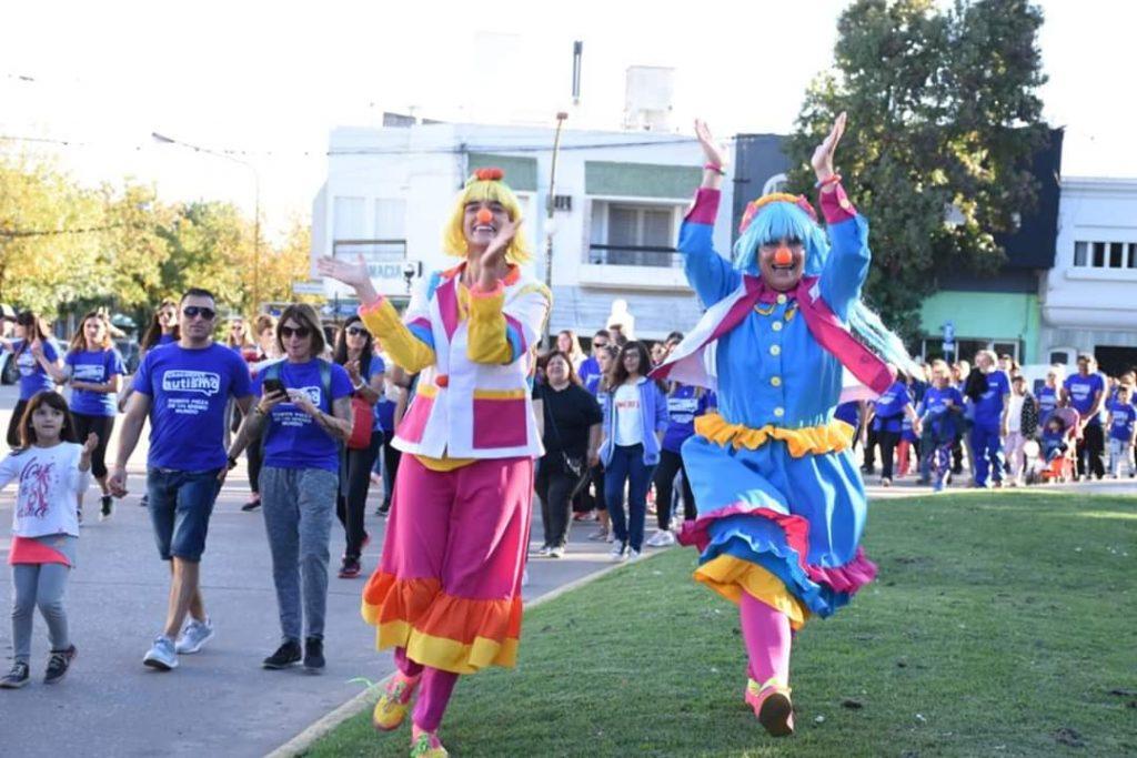 """""""Caminata Azul"""" en Chacabuco"""