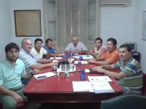 Representantes del GEN Chacabuco con la Sociedad Rural.