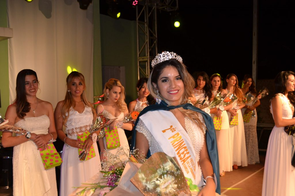 2º Princesa, Micalela Cepeda.