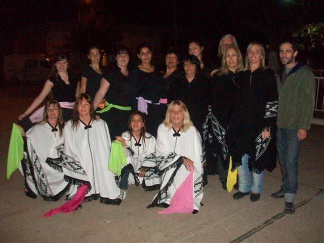 Taller de Danzas Folklóricas de Adultos a Cargo del profesor Ariel Giménez.