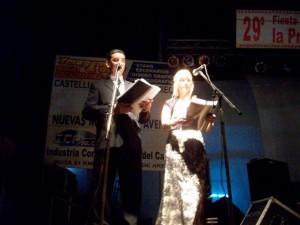 Los locutores de la fiesta, Gustavo Lezaun y Mónica del Castillo.