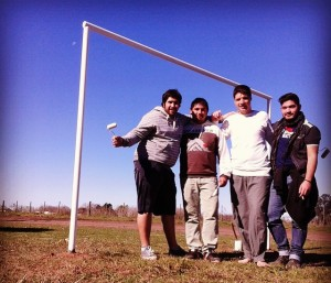 La Juventud GEN en el campo de juego terminado.