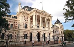 La Jefatura de Gabinete comunica que será promulgada la ley sancionada por unanimidad en el Senado y aprobada que declara al 27 de junio el día del Trabajador del Estado, en adhesión a la Ley Nacional.