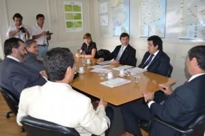 Golía con el Ministro de Infraestructura Alejandro Arlía.