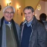 El cura Tomás Ostolaza Peña junto a Darío Golía.