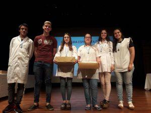 Los alumnos de Rawson y Castilla que fueron distinguidos.