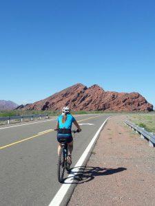 Otra imagen de Nancy Rodríguez, sobre Ruta 40.