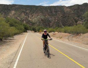 Nancy Rodríguez, transitando en Ruta 40.