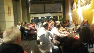 Café en apoyo de Carlos Costa.