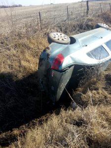 Otra imagen del auto accidentado