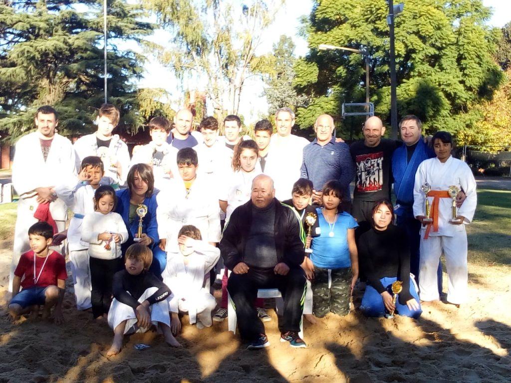 Participantes del 2º Torneo de Sumo Okinawense realizado en Chacabuco.