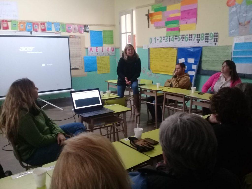 Izurieta en la charla brindada en Rawson sobre violencia de género